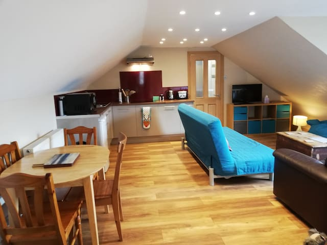 Fort William, King & Double Room with Kitchen