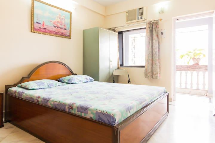 Susan's Guest room 2