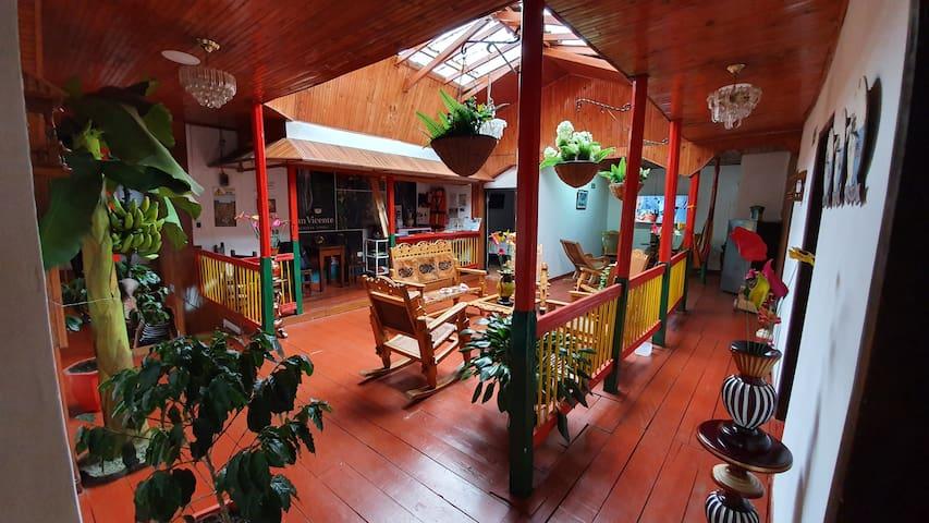 HOTEL FLORES Y CAFE