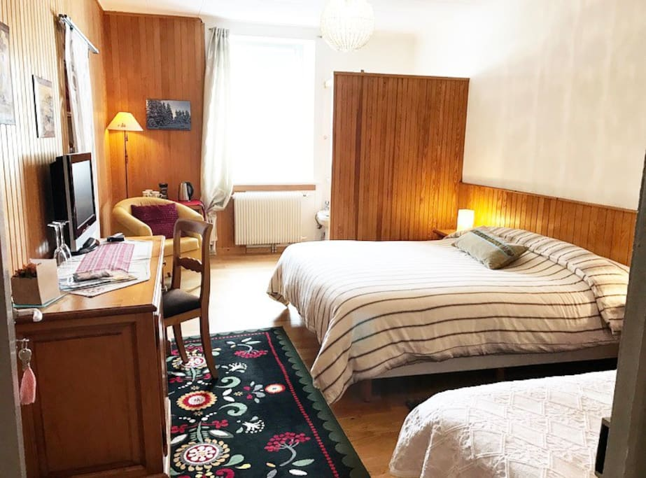 Maison d 39 h tes la diligence lits 2 1 chambres d 39 h tes louer la cure vaud suisse - Chambre a louer a geneve ...
