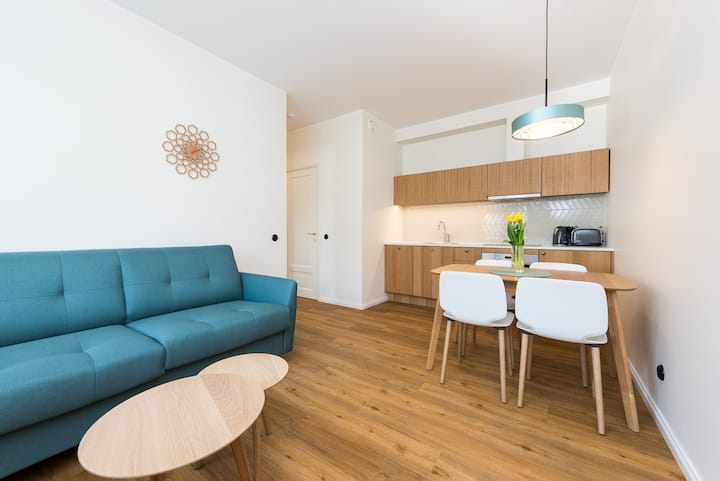 Self-check-in apartment, free parking! Apt 8