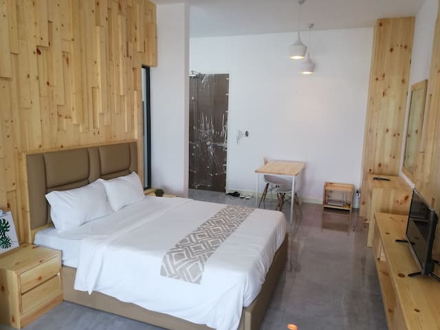 Imperio Wood Studio 2 Pax Romantic Couple