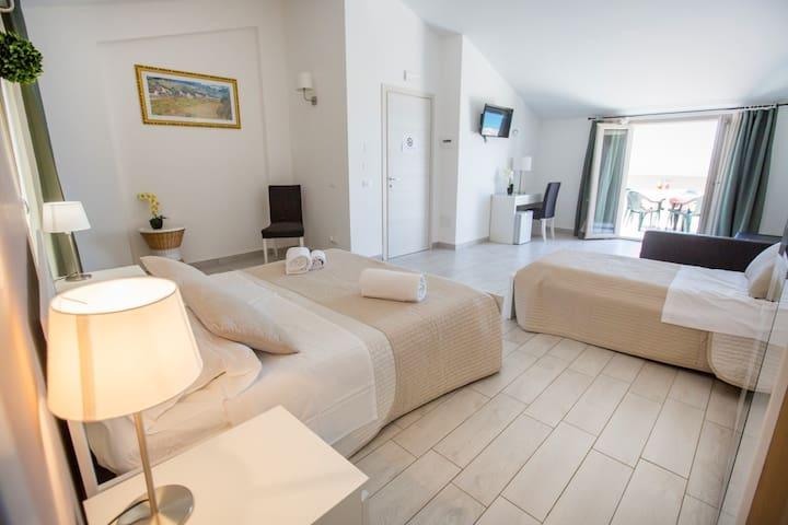suite con terrazza vista mare 302