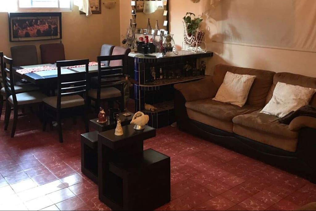 Area común para todos los habitantes de la casa, un lugar  cálido.