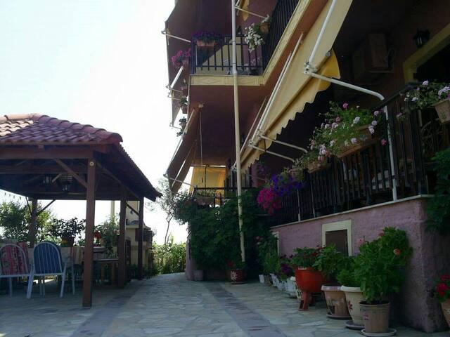 Mama's Rea Apartments N ° 7 - Γαρδενος - Appartement