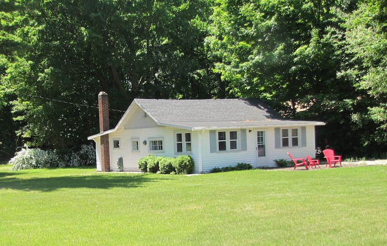 Summer Cottage In Pentwater - Pentwater - House