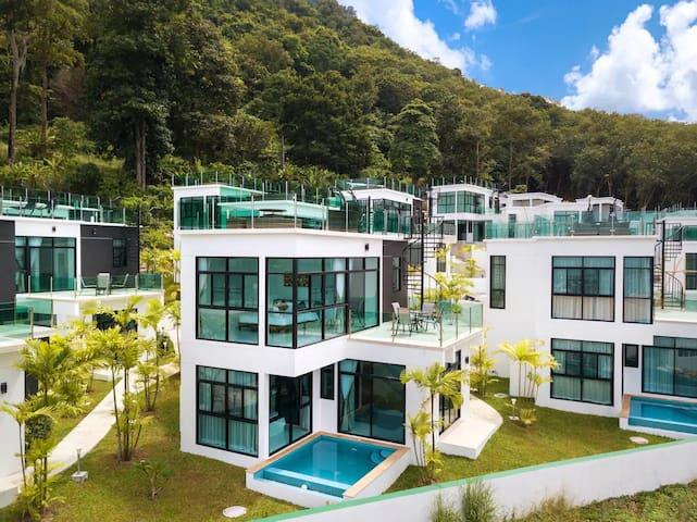 Lavish Mediterranean Style Villa + Sea View