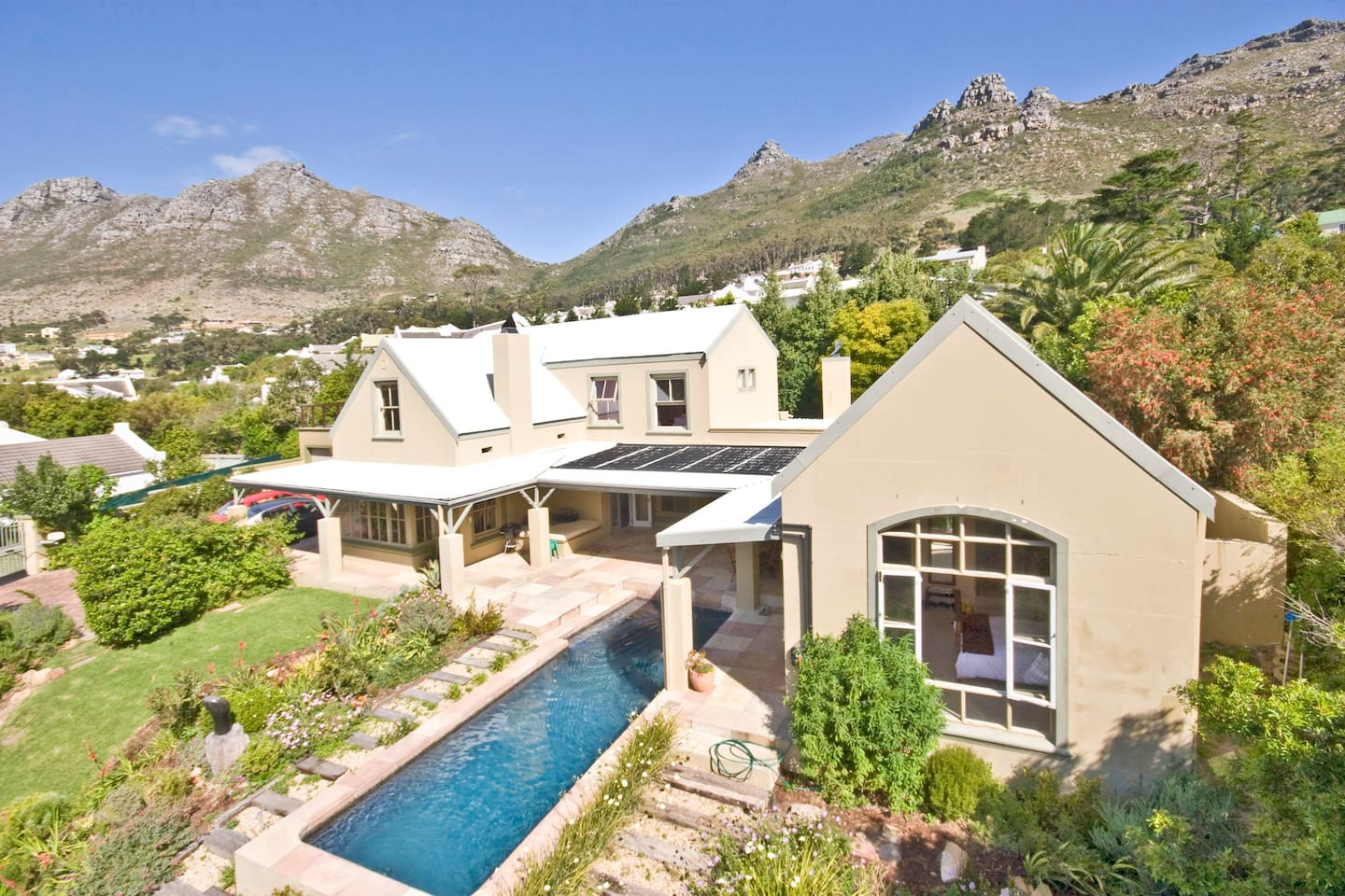 The garden is more established and brings with it all the beautiful birds of the Western Cape