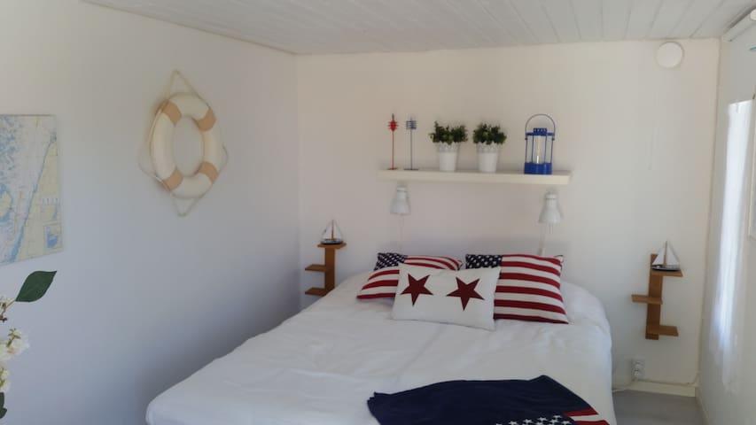 Modern summer house with outdoor spa - Kalmar N - Villa