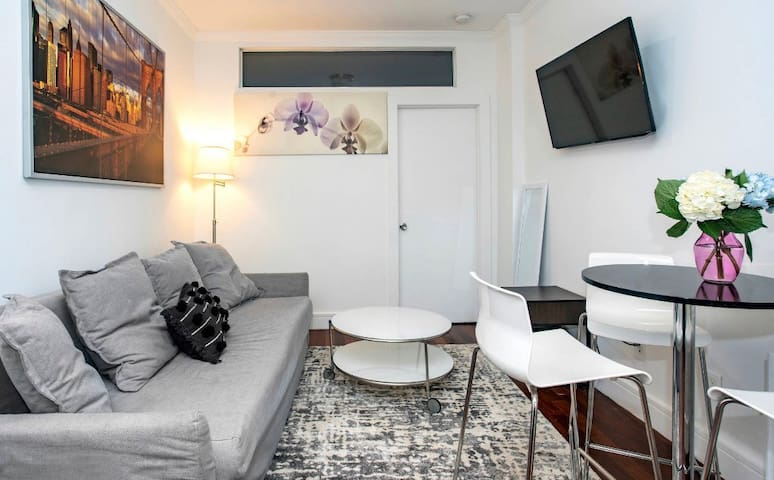 ♥Renovated Apartment In Prime Downtown NYC♥