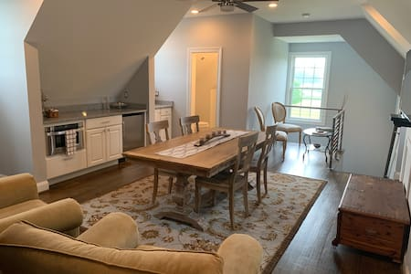 Charming, private studio apartment in New Hope