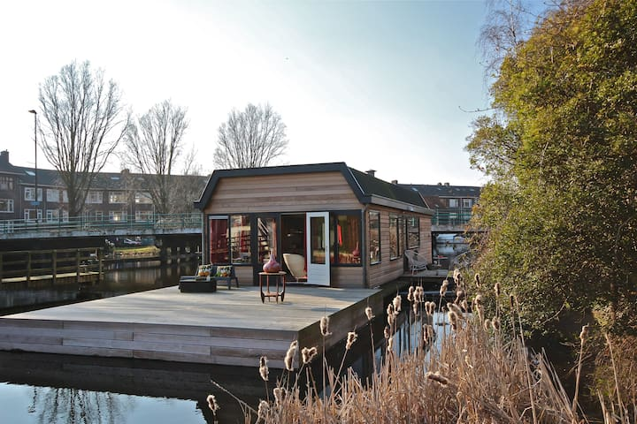 Romantic houseboat near Rotterdam.
