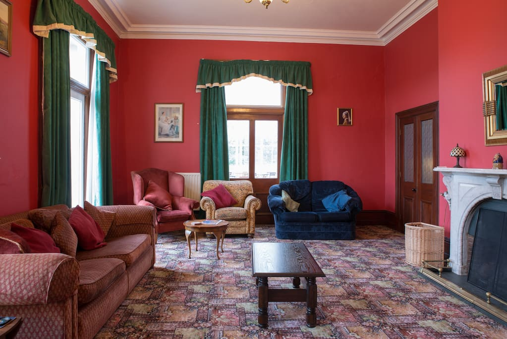 Rooms In A Mansion House