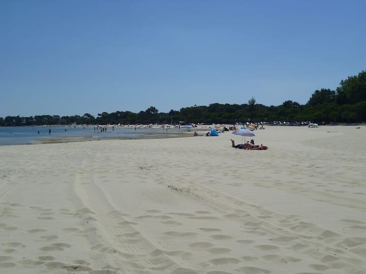 Luxury holiday house 100m sandy beach nr Bordeaux