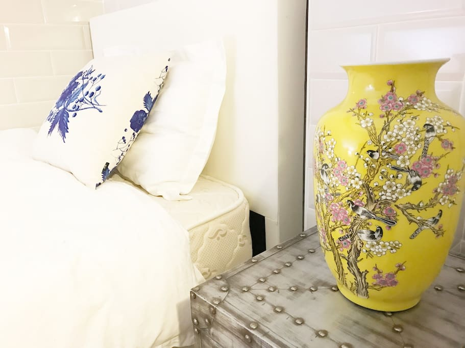 Guest bedroom night stand