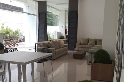 Flat na Granja Viana - novo, moderno e confortável