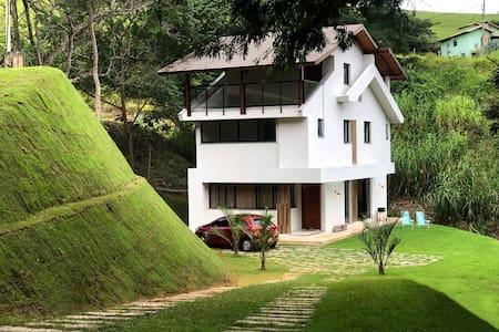 Casa de campo a 15 min de Itaipava