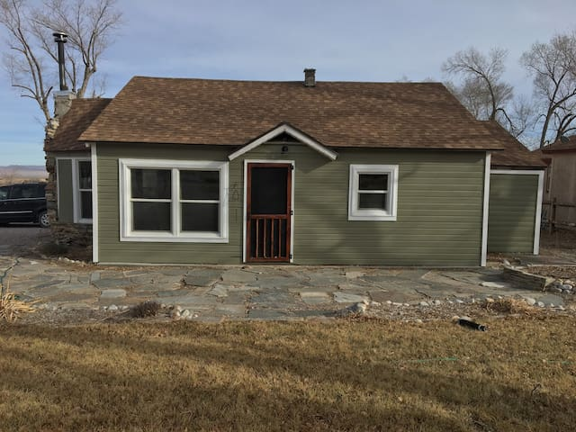 Cozy 3bed/2bath house 5 miles from Great Basin NP