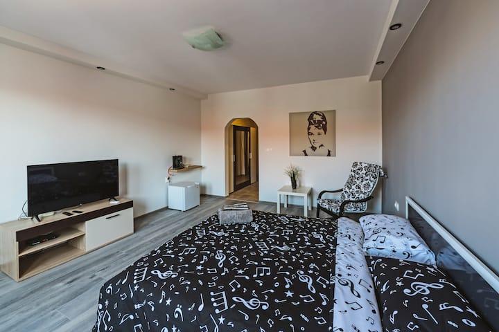⭐️Victoria Hotel Room 3⭐️