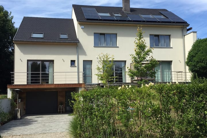 Beautiful 2 bedroom house near Brussels & Atomium