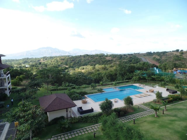 Stunning View at Anvaya Cove, SBV - Morong - Appartement