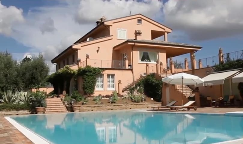 Villa delle Marche, for private and relaxing stay