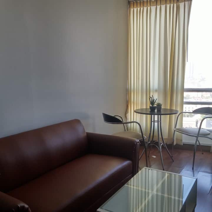 1 bedroom unit  close to shopping, park and MRT.