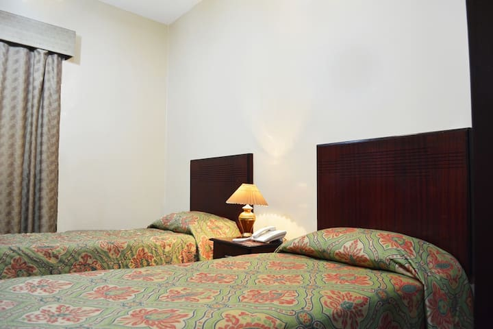 Galaxy Plaza Hotel - Dubai - Bed & Breakfast
