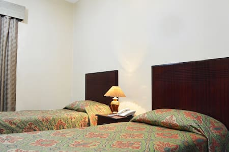 Galaxy Plaza Hotel - Bed & Breakfast
