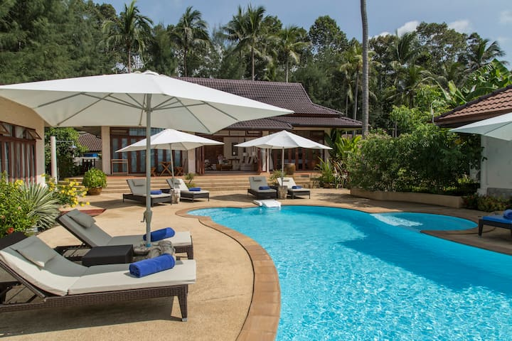 Beautiful Beachfront 3BRM Villa with pool & garden - Ko Samui - Villa