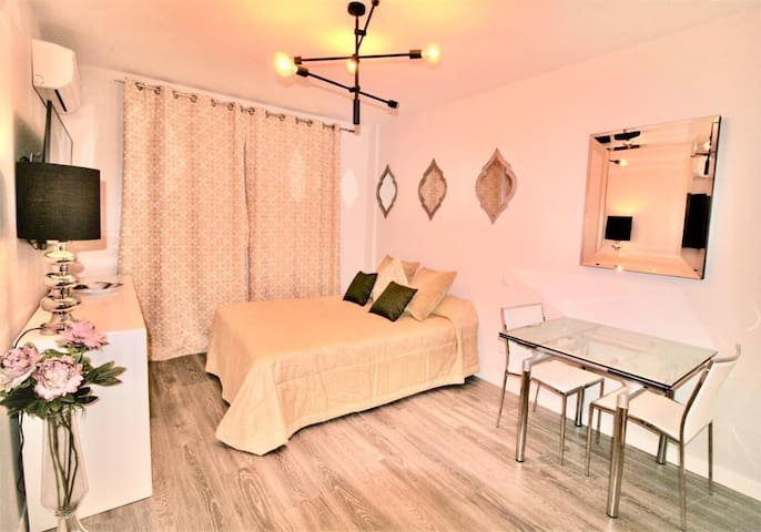 NEW- Modern studio in Chamberí - 2PAX-
