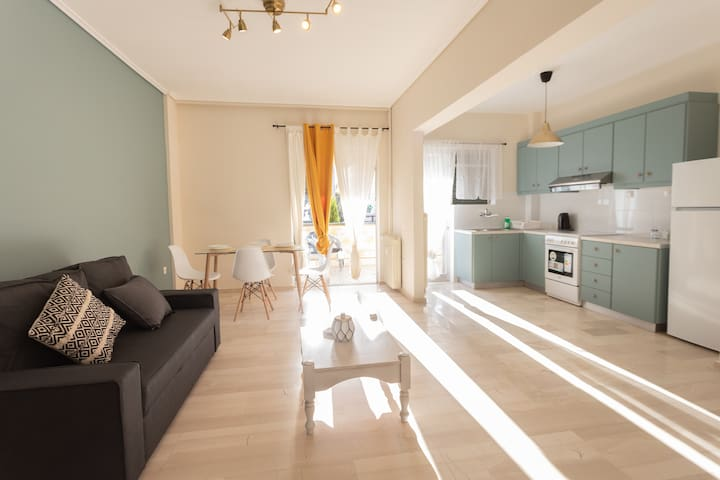 Glyfada Central Apartment