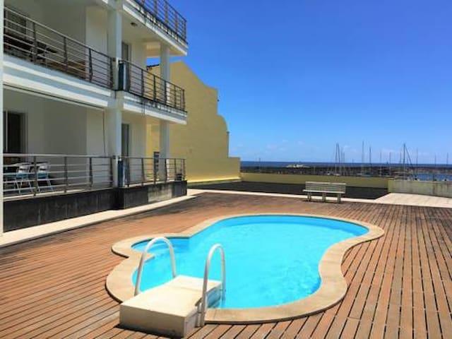 Casa Marina-Duplex Apt (2 floors/6 beds/3 baths)