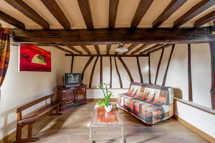 Quaint Holiday Home in Saint-Germain-Sur-Bresle with Garden