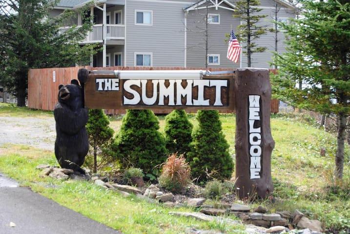 New!...Summit Condo- Snowshoe Mountain