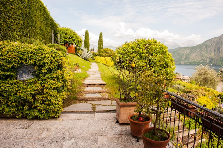 """Villa Abbraccio Garden"" Lake Como Panoramic View"