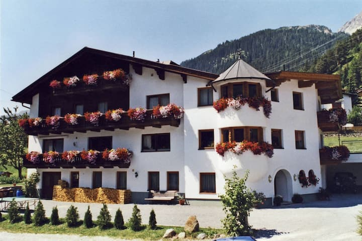 Spacious Apartment in Sankt Anton am Arlberg with Balcony
