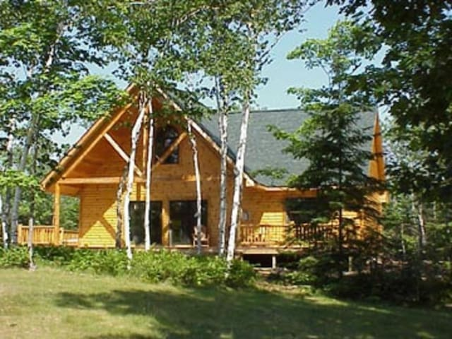 Drummond Island Resort - Pond Cabin 2 Bedroom
