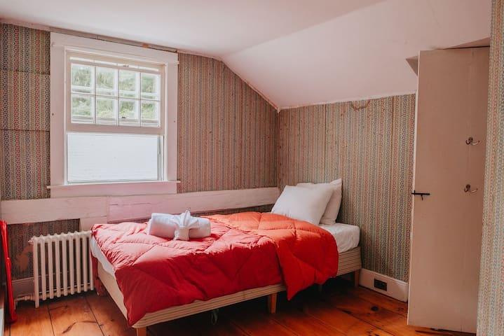 غرفة نوم 8