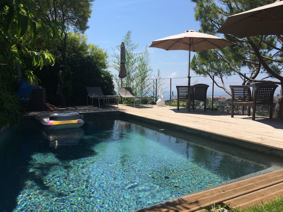 Villa nice vue mer piscine sud houses for rent in nice for Villa piscine sud france