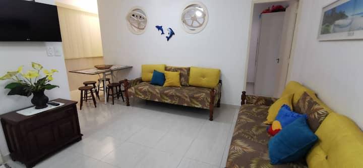 Apartamento aconchegante, arejado e bem localizado