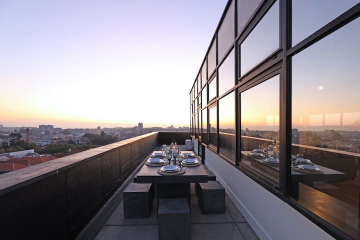 Porto Stunning Central Penthouse - Free parking
