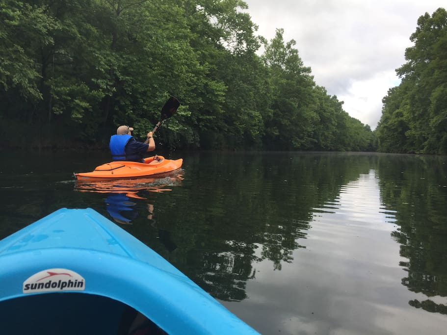Just ten minutes from the Apartment is a great place to kayak or fish, Sahara Woods State Fish & Wildlife Area. We enjoy getting out on the water, it was beautiful!