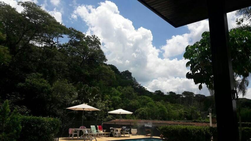 Chacara em Ibiúna, ideal para momentos em família - São Roque - บ้าน