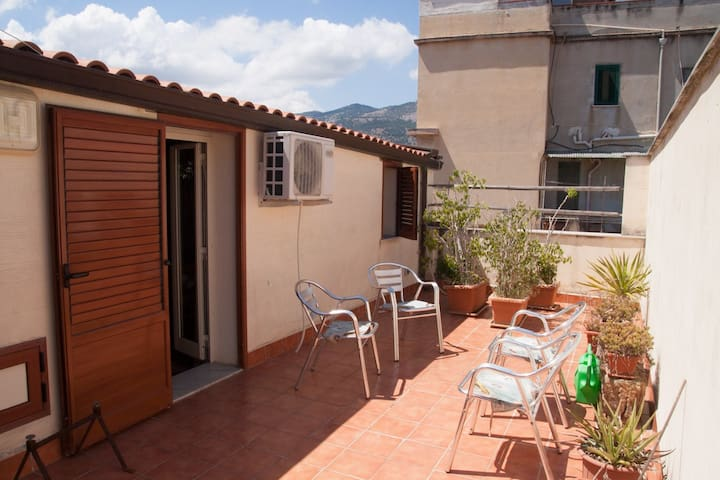Apartment to 7 min from the sea - Palermo - Apartment