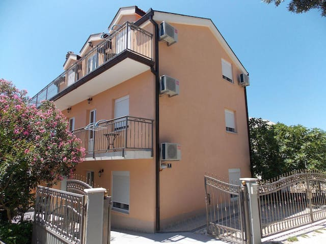 Studio flat with balcony and sea view Podaca, Makarska (AS-11748-a) - Podaca