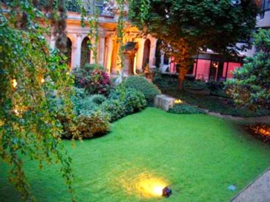 Historical Garden's Romantic dusk illumination