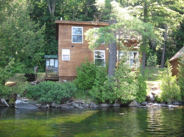 Cabin 3: Ivy - Barnet - Kabin