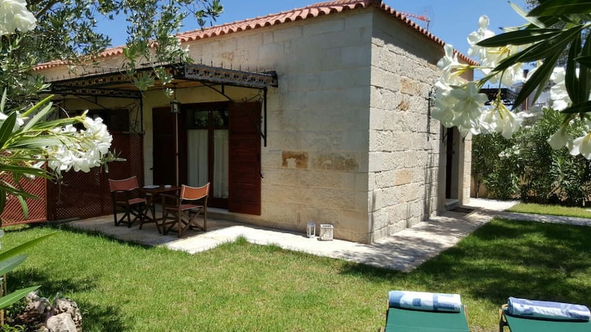 "Charming Stone Villa ""Lefkopetra 1"" - Vrises - House"
