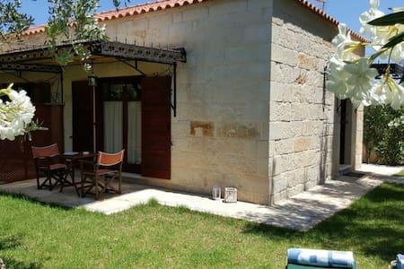"Charming Stone Villa ""Lefkopetra 1"" - Vrises - Casa"